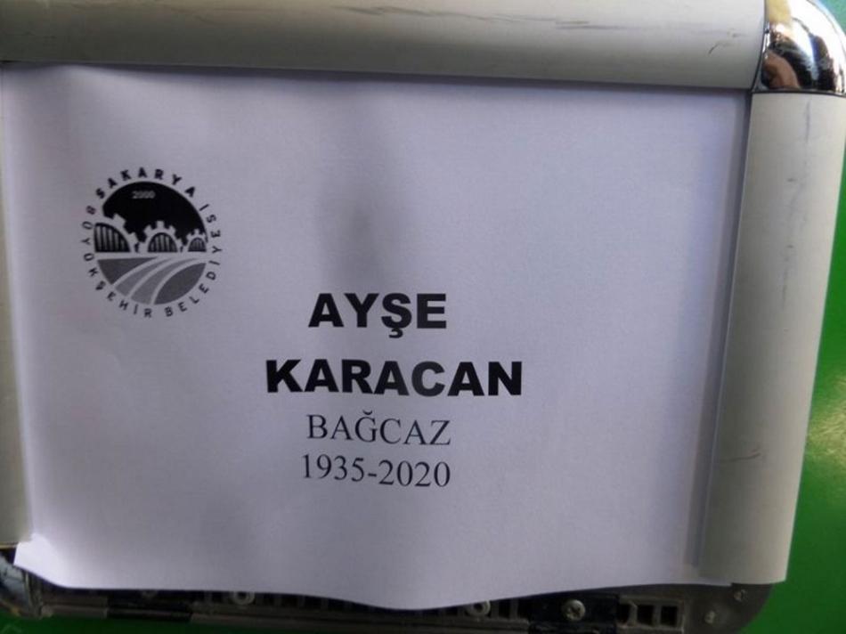 2020/01/1578833350_ayse_karacan_cenaze04.jpg