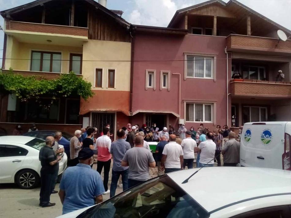 2020/06/1593162402_erdogan_ataoglu_cenaze260620_03b.jpg