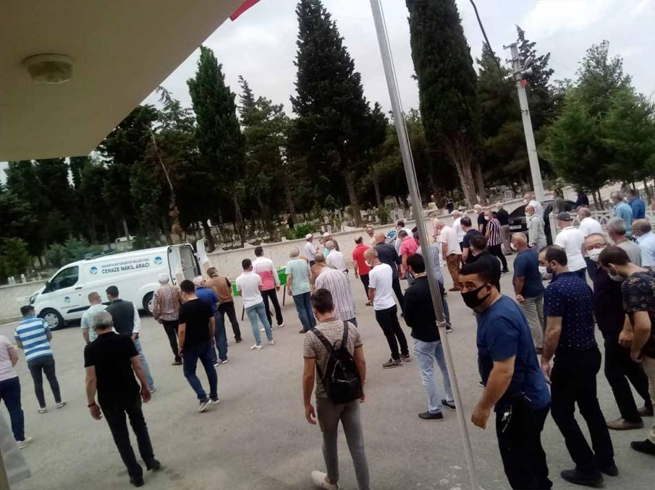 2020/06/1593162404_erdogan_ataoglu_cenaze260620_09.jpg
