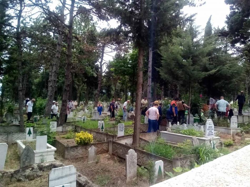 2020/06/1593162991_erdogan_ataoglu_cenaze260620_14.jpg
