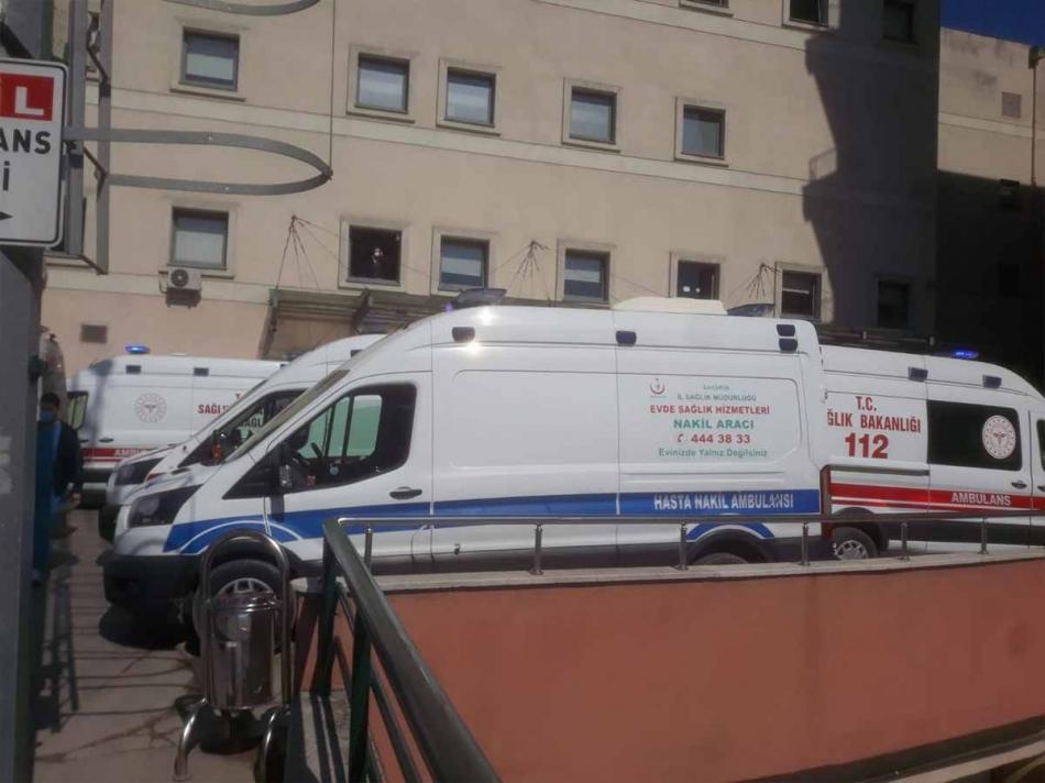 2021/04/1619016265_ambulanslar210421_02.jpg