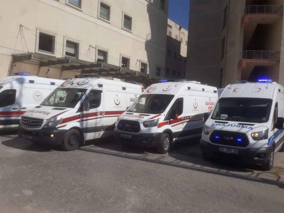 2021/04/1619016266_ambulanslar210421_01.jpg