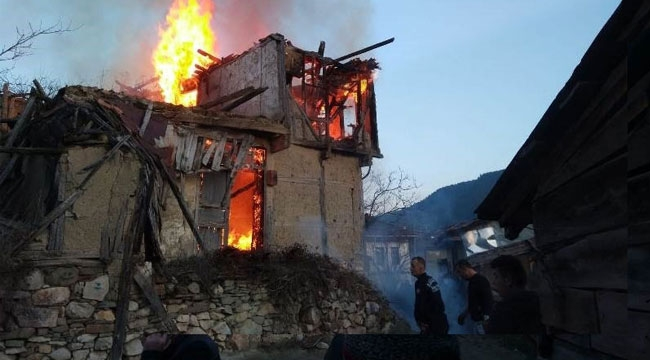 Metruk bina cayır cayır yandı!