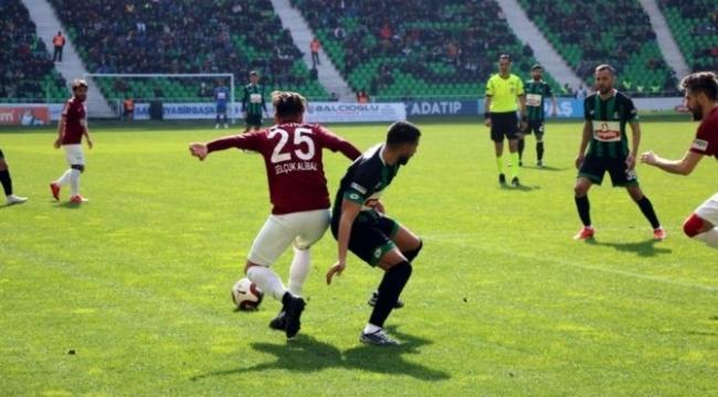 Sakaryaspor son dakikada lideri devirdi: 1-0