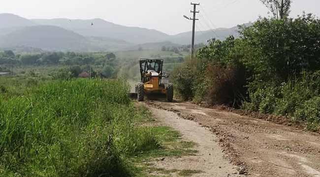 Geyve Safibey'de arazi yolları düzeltildi