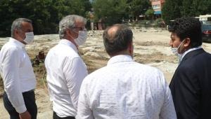 Başkan Yüce, Geyve MYO ek hizmet binasının inşaatını gezdi