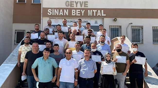 Geyve'de 60 öğrenci meslek lisesi diploması aldı