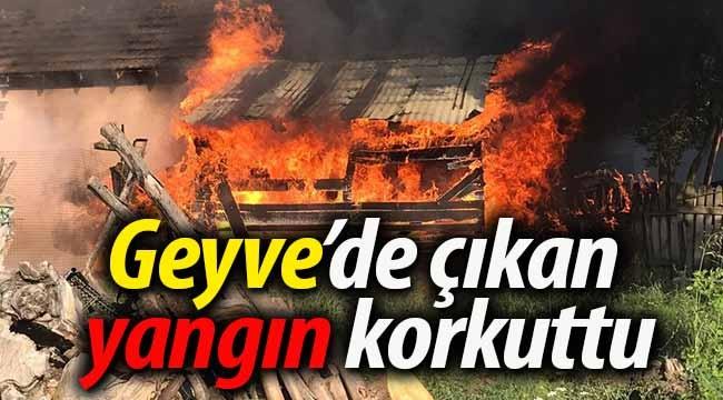 Geyve Tepecikler'de çıkan yangın korkuttu